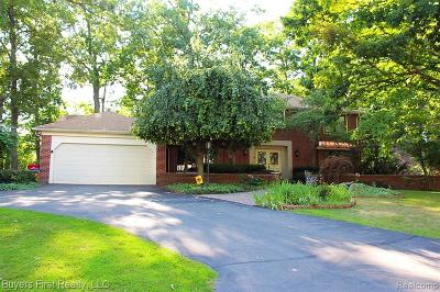 West Bloomfield Twp Single Family Home For Sale: 5130 Lake Bluff Road