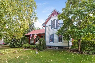 South Lyon Single Family Home For Sale: 335 W Lake Street