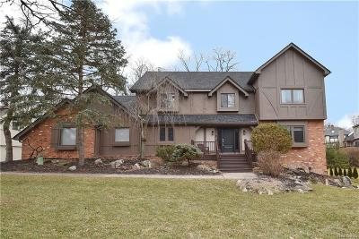 Orchard Lake Single Family Home For Sale: 4340 Hickory Court