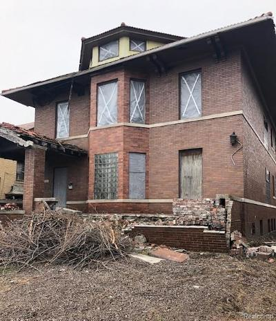 Detroit Single Family Home For Sale: 1011 E Grand Boulevard