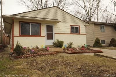 Waterford, Waterford Twp Single Family Home For Sale: 70 Carpenter Court
