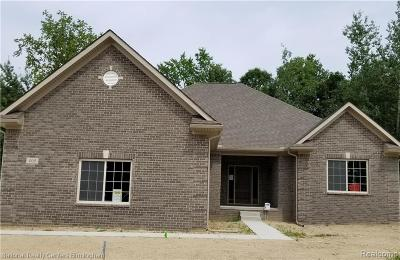 Oxford Single Family Home For Sale: 7 White Pine Way