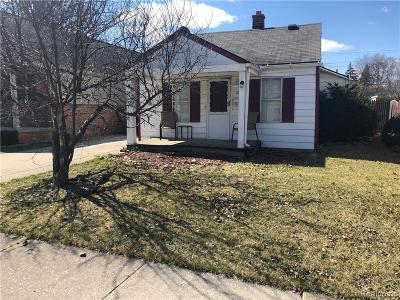 Dearborn Heights Single Family Home For Sale: 3920 Jackson