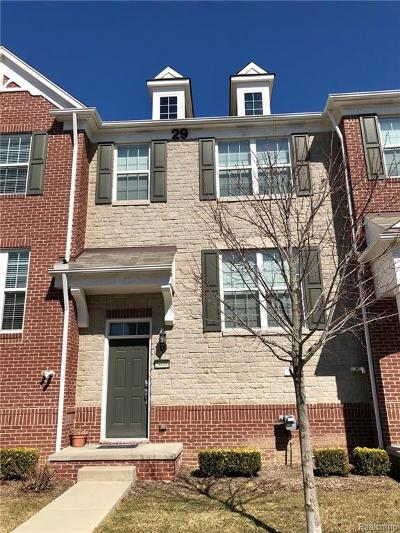 Novi Condo/Townhouse For Sale: 28000 Hopkins Drive