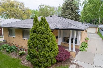 Royal Oak Single Family Home For Sale: 4620 Briarwood Avenue