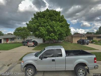 Sterling Heights Single Family Home For Sale: 33240 Chatsworth Drive