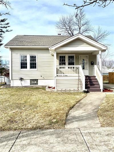Royal Oak Single Family Home For Sale: 439 Linden Avenue