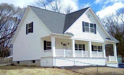 Fenton Single Family Home For Sale: 1023 Swan Lane