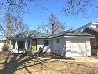 Royal Oak Single Family Home For Sale: 4402 Berkshire Road