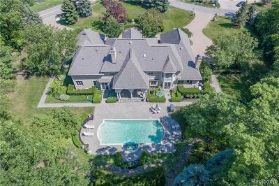 Oakland County Single Family Home For Sale: 5120 Clarendon Crest Street