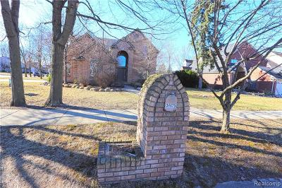 Livonia Single Family Home For Sale: 34475 Northland Drive