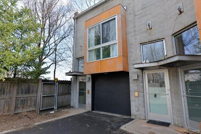 Royal Oak Condo/Townhouse For Sale: 444 E Parent Avenue