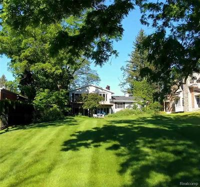 Orchard Lake Single Family Home For Sale: 3061 Bay Shore