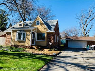 Royal Oak Single Family Home For Sale: 413 Woodlawn Avenue