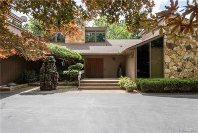Bloomfield Twp Single Family Home For Sale: 1265 Club Drive