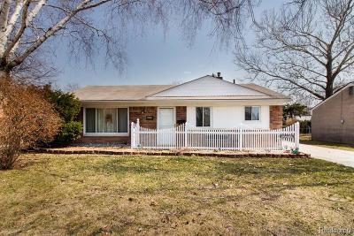 Fraser Single Family Home For Sale: 33170 Fraser Avenue