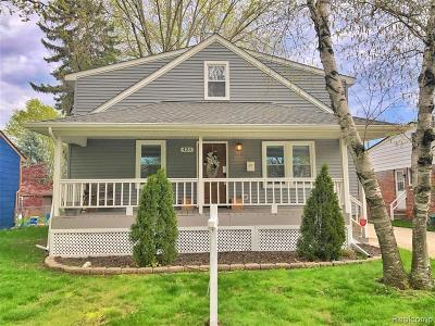 Clawson Single Family Home For Sale: 424 Parkland Blvd