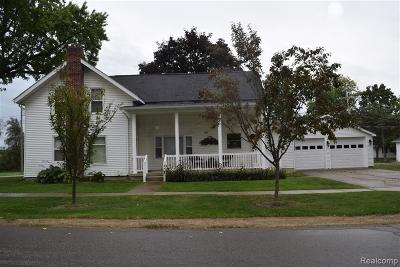 Single Family Home For Sale: 4042 Pleasant Street