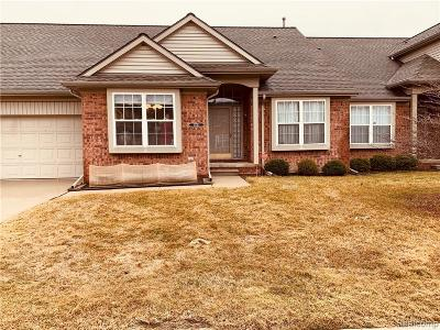 Sterling Heights Condo/Townhouse For Sale: 5731 Victory Circle