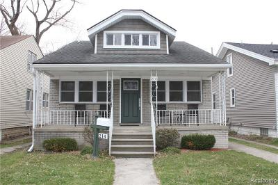 Ferndale Single Family Home For Sale: 214 Academy Street