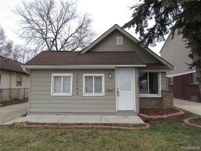 Madison Heights MI Single Family Home For Sale: $110,900