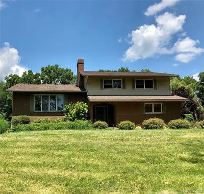 Oakland County Single Family Home For Sale: 2407 Granger Road