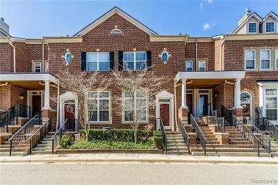 Livonia Condo/Townhouse For Sale: 16998 Farmington Road