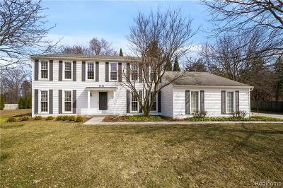 West Bloomfield Twp Single Family Home For Sale: 5581 White Hall Circle
