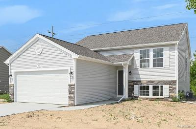 Linden Single Family Home For Sale: 394 Saddlebrook Drive