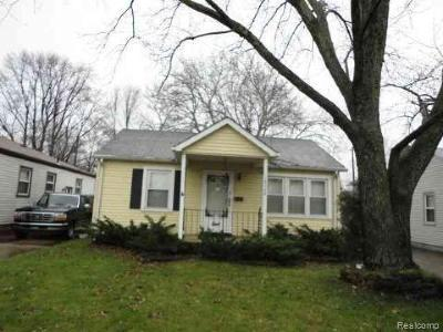 Redford Twp MI Single Family Home For Sale: $75,000