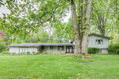 Bloomfield Twp Single Family Home For Sale: 2940 Masefield Drive