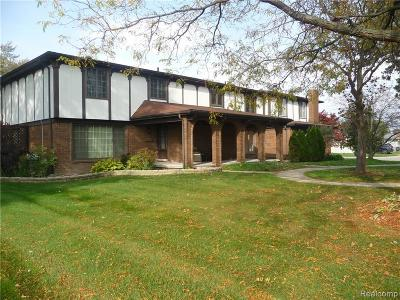 Warren Condo/Townhouse For Sale: 11604 Meadow Lane