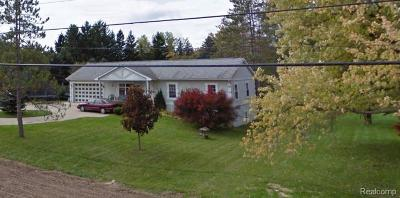 Oakland Twp Single Family Home For Sale: 336 S Rochester Road