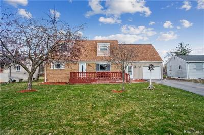 Genesee Twp Single Family Home For Sale: 4040 Bobby Jones Drive