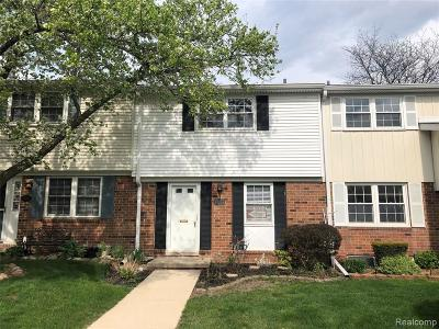 Northville Condo/Townhouse For Sale: 42266 Norwood Court #625