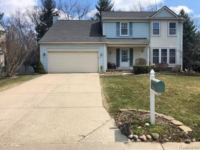 Rochester Hills Single Family Home For Sale: 712 Whitney Drive