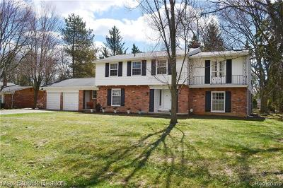 Bloomfield Twp Single Family Home For Sale: 1643 Hoit Tower Drive