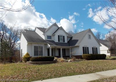 Commerce, Commerce Township, Commerce Twp Single Family Home For Sale: 2212 Applebrook Drive