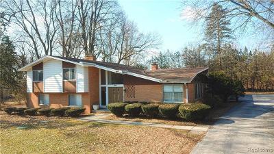 Bloomfield Twp Single Family Home For Sale: 5310 Longmeadow Road