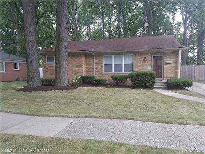 Oak Park Single Family Home For Sale: 15001 Pearson Street