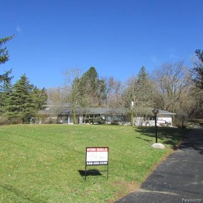 Bloomfield Twp Single Family Home For Sale: 4428 Old Trinity Court