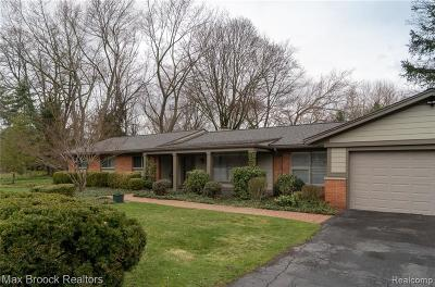 Bloomfield Twp Single Family Home For Sale: 5551 Westwood Lane