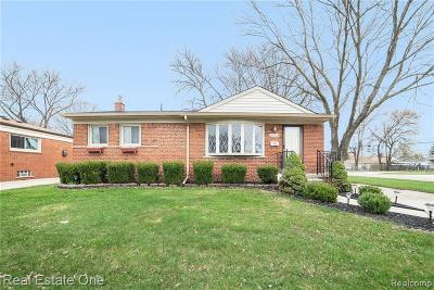 Warren, Eastpointe, Roseville, St Clair Shores Single Family Home For Sale: 21712 Hill Street