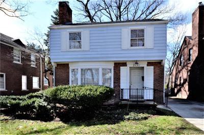 Detroit Single Family Home For Sale: 2591 Woodstock Drive