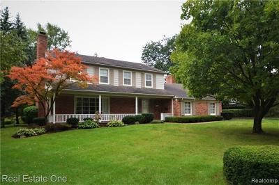Bloomfield Twp Single Family Home For Sale: 1351 Aberdovey Place