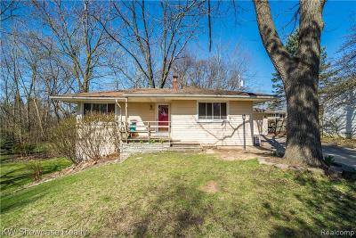 West Bloomfield, West Bloomfield Twp Single Family Home For Sale: 4390 Crestdale Avenue