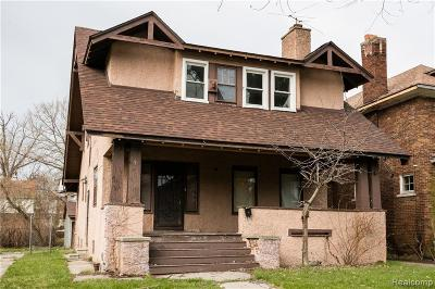 Detroit Single Family Home For Sale: 635 Chalmers Street