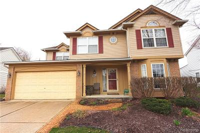 South Lyon Single Family Home For Sale: 947 Westbrooke Drive