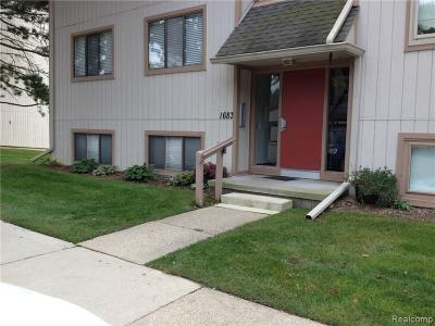 Rochester Hills Condo/Townhouse For Sale: 1683 Riverside Drive
