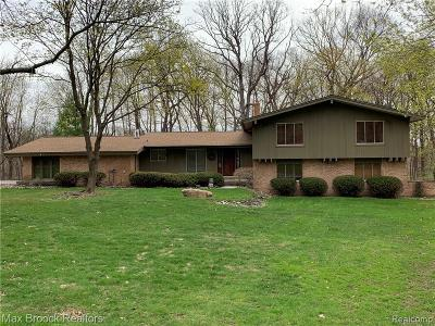 Bloomfield Hills MI Single Family Home For Sale: $598,000